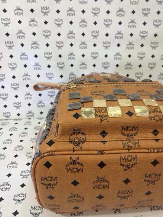 MCM厂价销售 小号四色方块款 新型双肩包 百搭潮流