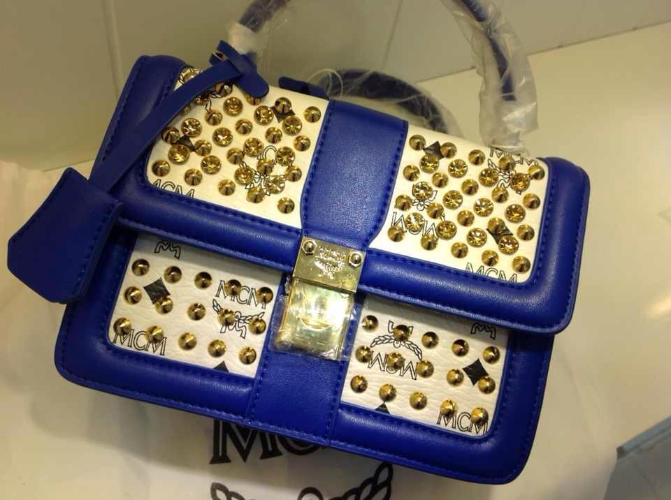 广州白云皮具城 MCM蓝专柜新款 柳钉手提包 一件代发