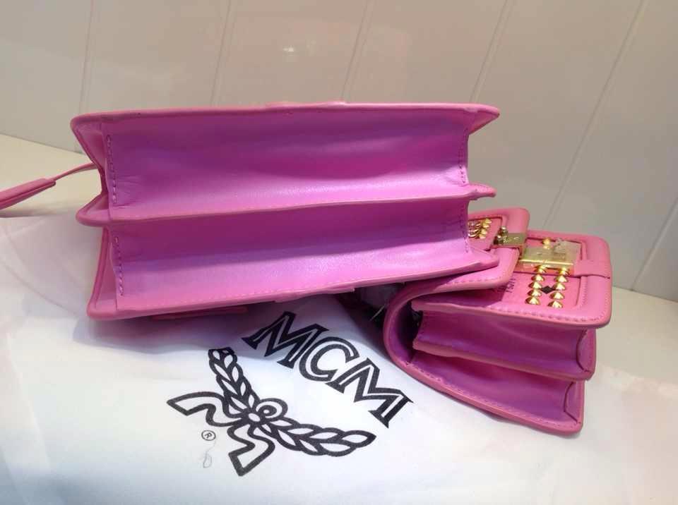 2015新款 MCM荧光粉专柜新款 时尚手提包 柳钉手袋
