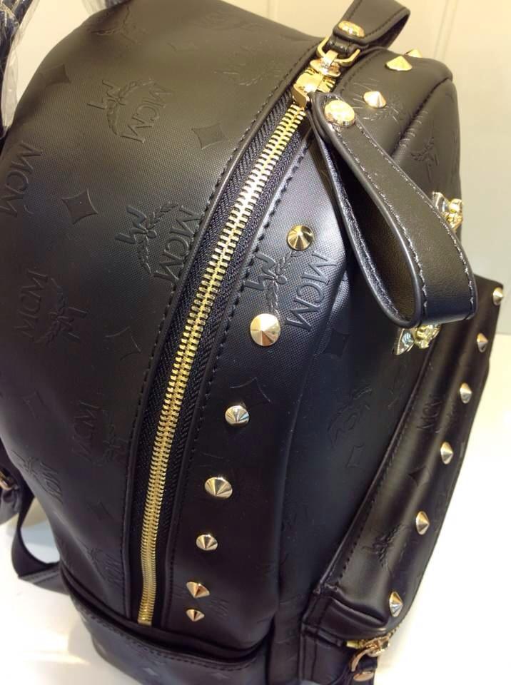 厂家直销 MCM浮雕款中号双肩包 宝蓝色 原版真皮