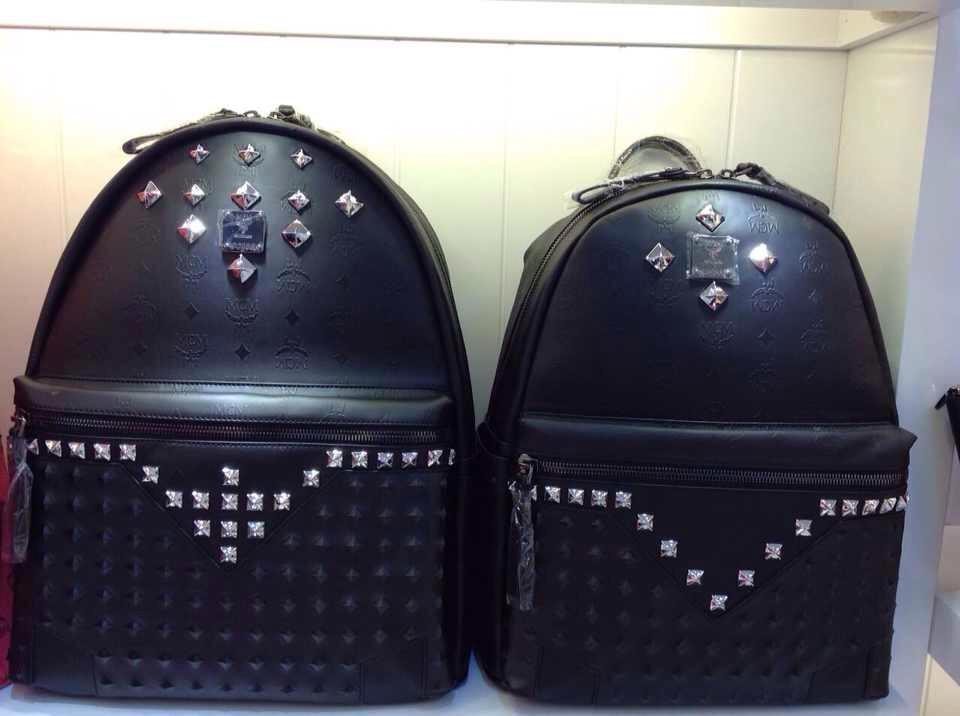 包包批发网 MCM朋克风系列双肩包 皮钉设计 低调奢华