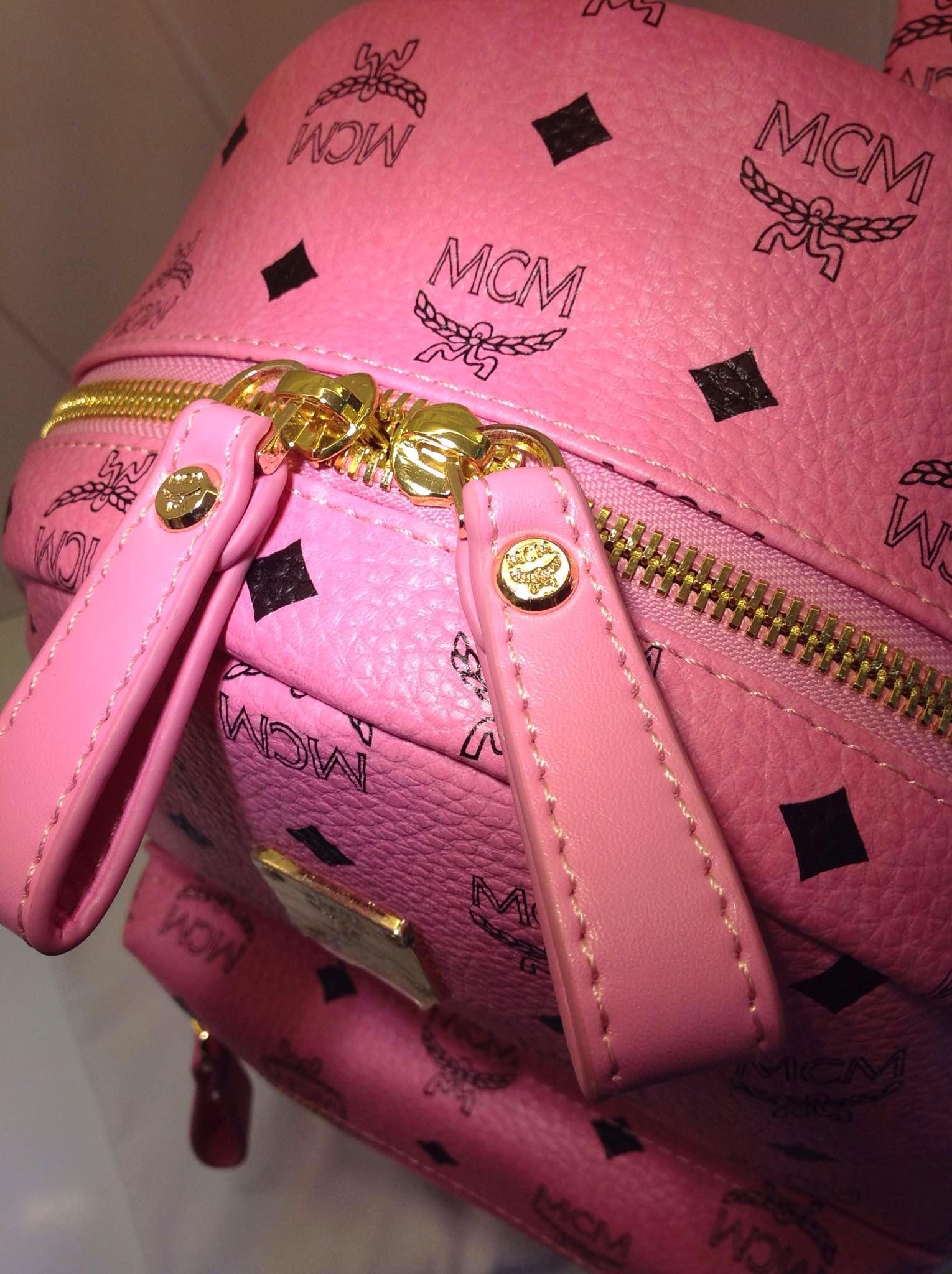 广州包包批发市场 MCM经典侧钉款中号 包身pvc配牛皮 荧光粉土黄色