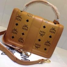MCM土黄色专柜新款 时尚手提包 纯色带标志手袋