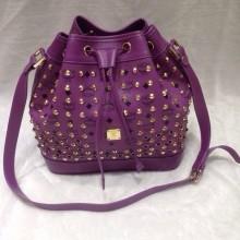 广州包包批发市场 MCM紫色小号水桶包 抽带款 时尚百搭