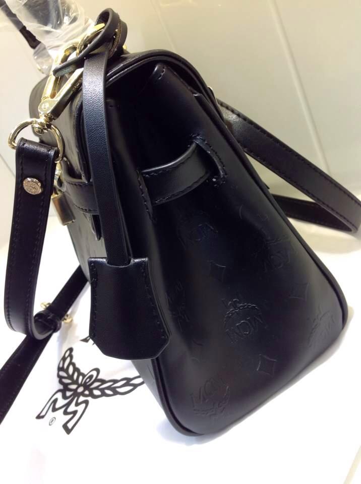 广州包包批发市场 MCM黑色浮雕款 专柜对版 女士单肩包手提包