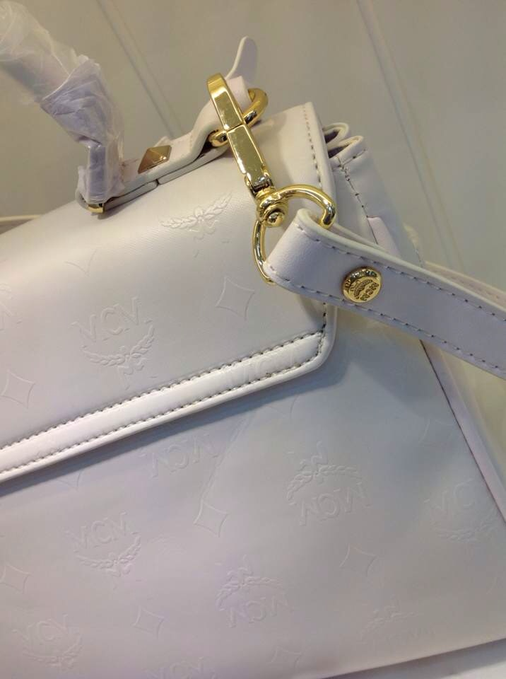 MCM官网 白色浮雕款 专柜对版手提包 秋冬百搭