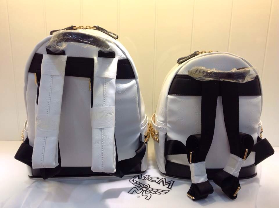 MCM官网 多色双肩包 原版皮 侧钉浮雕款背包
