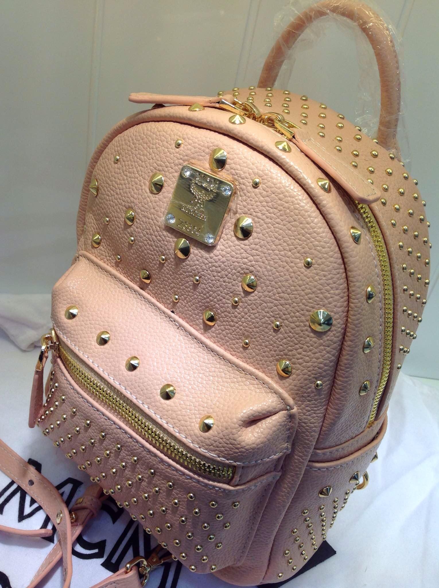 MCM原版皮双肩包 裸粉系列 时尚镶钻