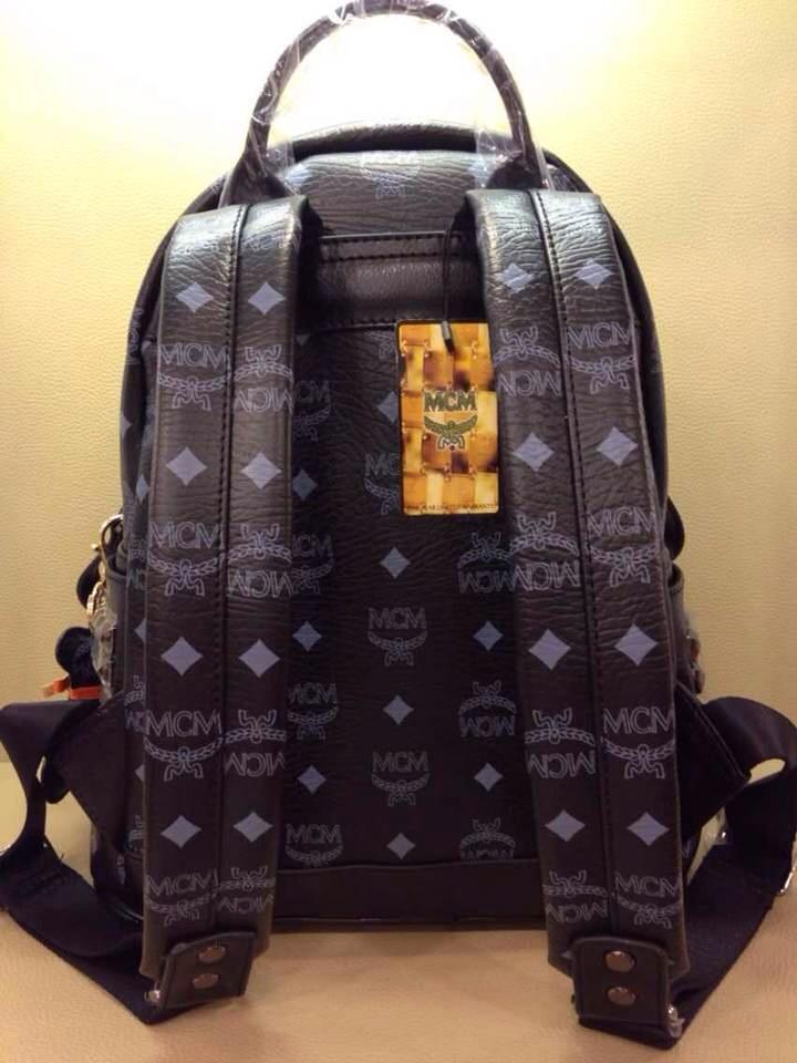 厂家直销 MCM四钉小号背包 黑色时尚 双肩包实拍