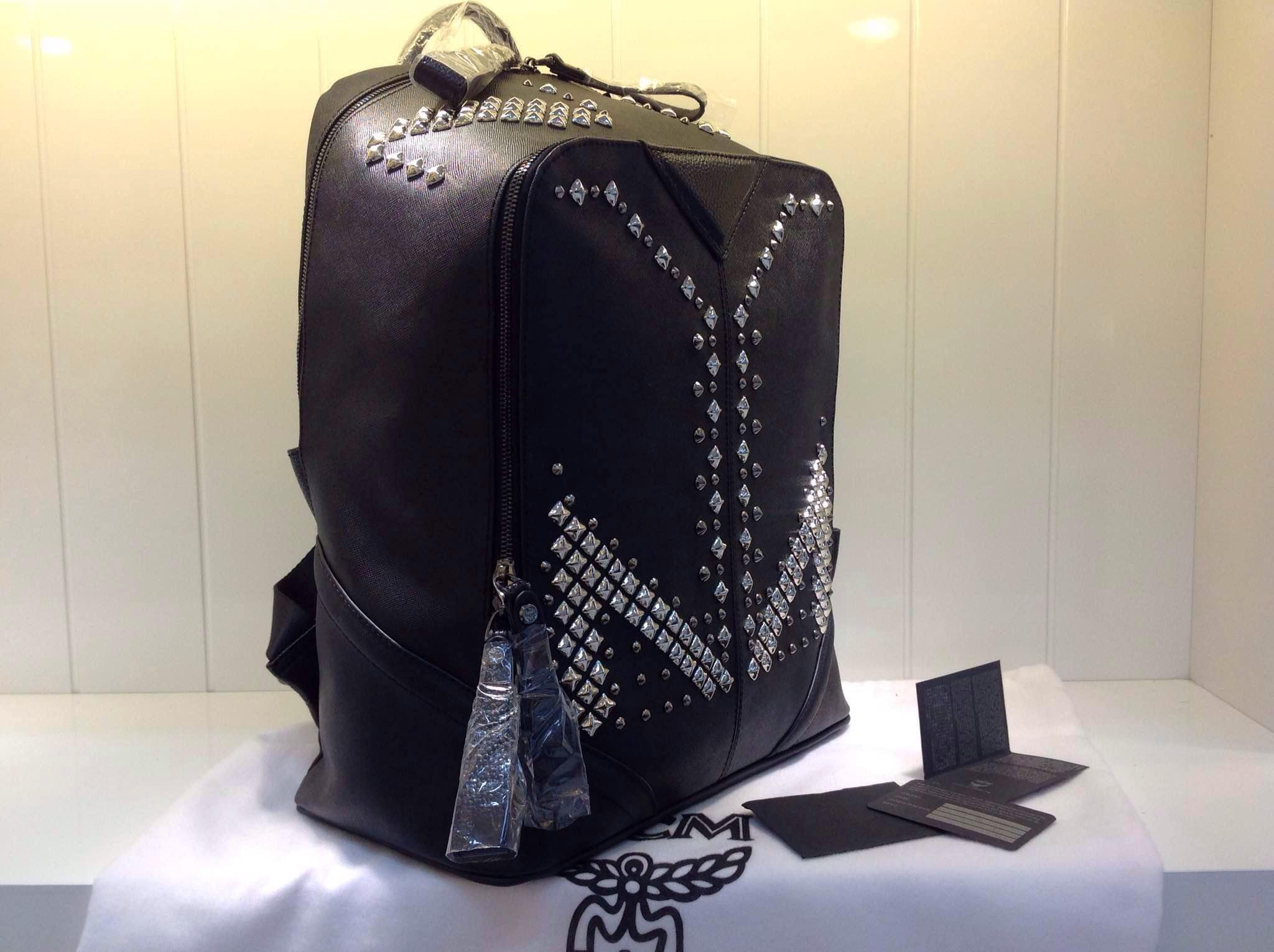 2015专柜满钉款 MCM黑色 中号女士双肩包 高档包包批发