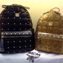 广州MCM包包批发 新款方块包 精致绣花双肩包 进口牛皮