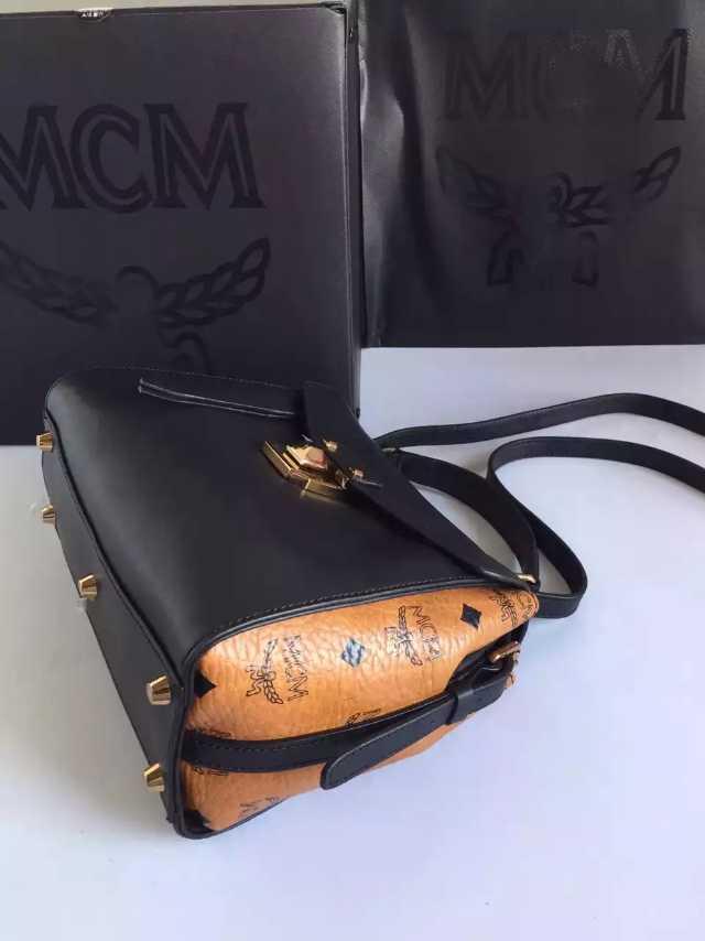 MCM 原单邮差包 送全套包装 进口牛皮包包 官网推荐特价包包