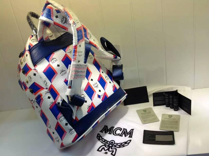 MCM新款彩虹M钉 白色小号原版皮 高档双肩包 一件代发