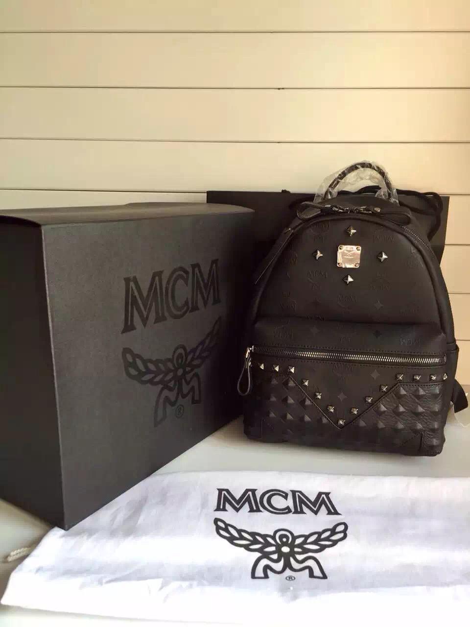 MCM原单 四钉款 铅色五金配荔枝纹牛皮 专柜全套包装