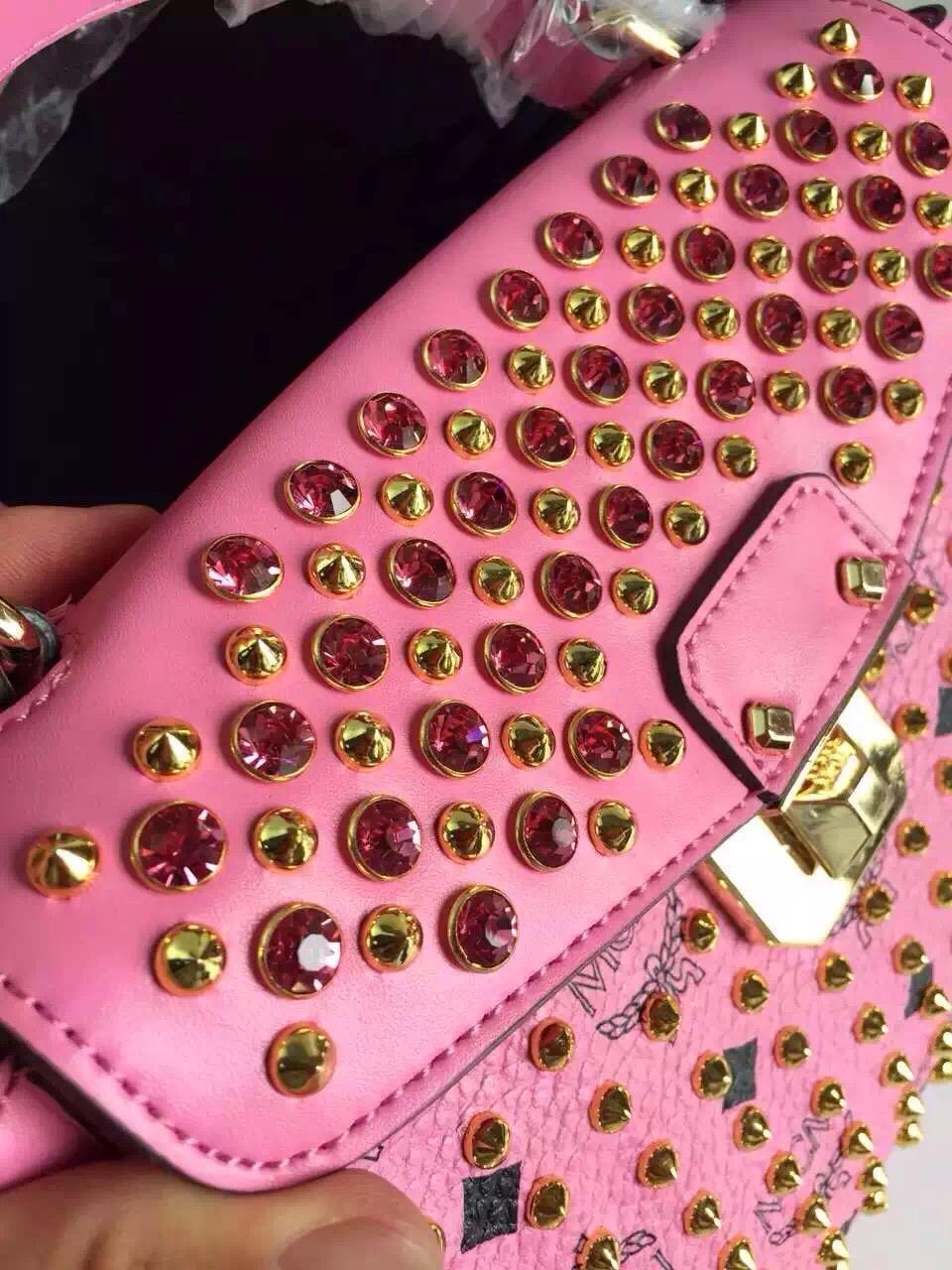 MCM2015新款 粉色邮差包 信封盖口 厂家直销 诚招代理