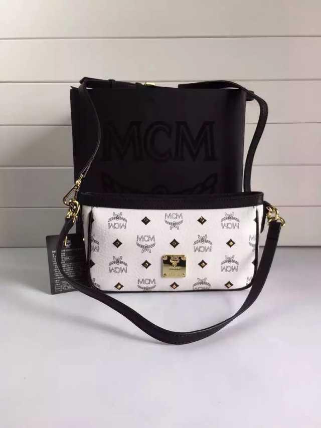 MCM 原单 专柜主推 潮人必备 单肩斜挎包 白色