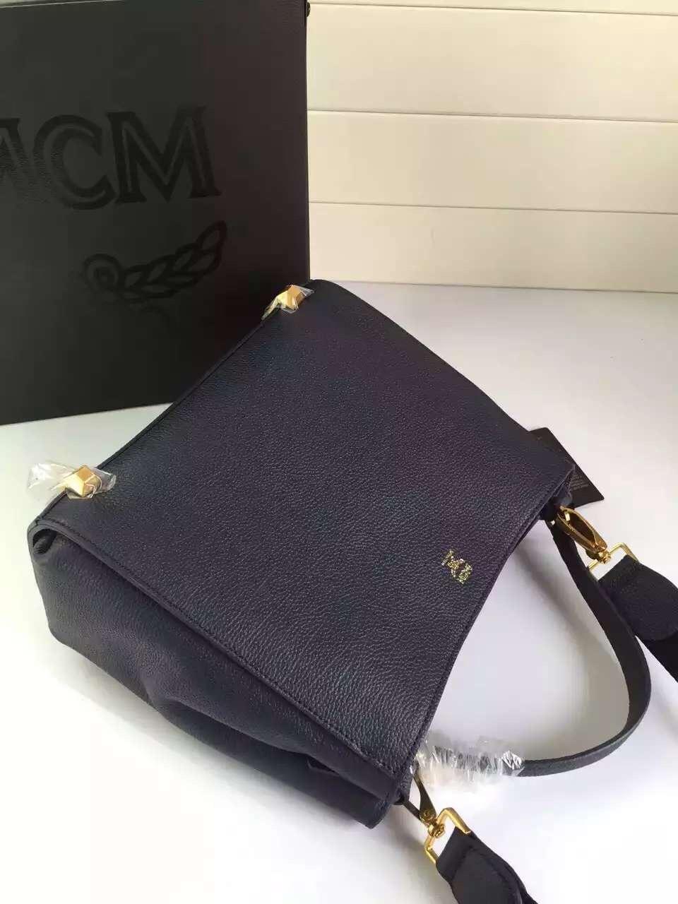 MCM韩国进口粒面牛皮 纯棉质地里布 厂家直销 一件代发