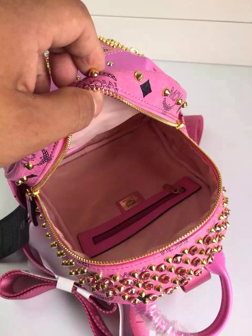 MCM限量版双肩包 一件代发 专柜全包装 粉色原单品质 双肩包背包批发