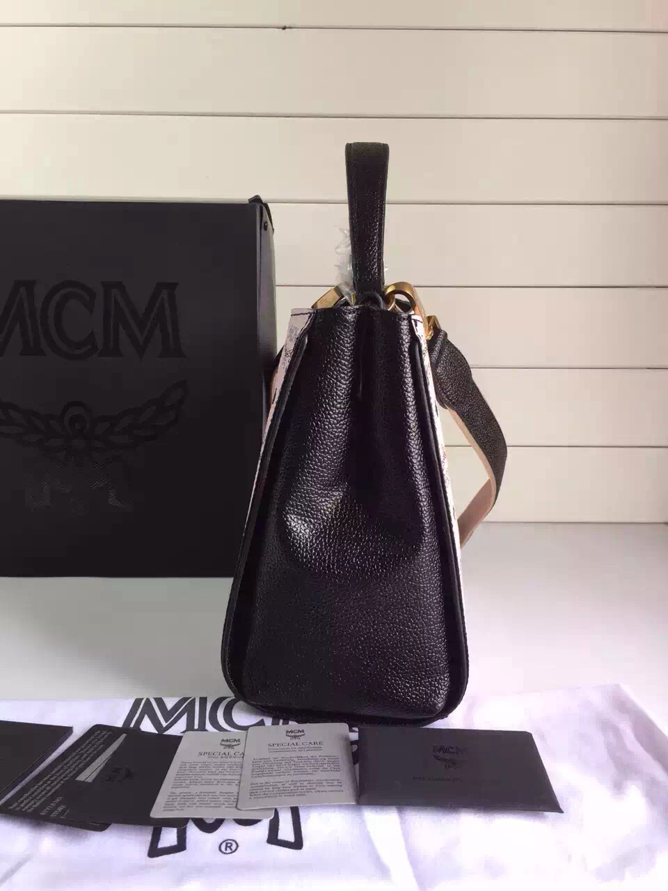 MCM专柜新款原单 LG进口PVC料配定制粒面牛皮 粉色拼黑