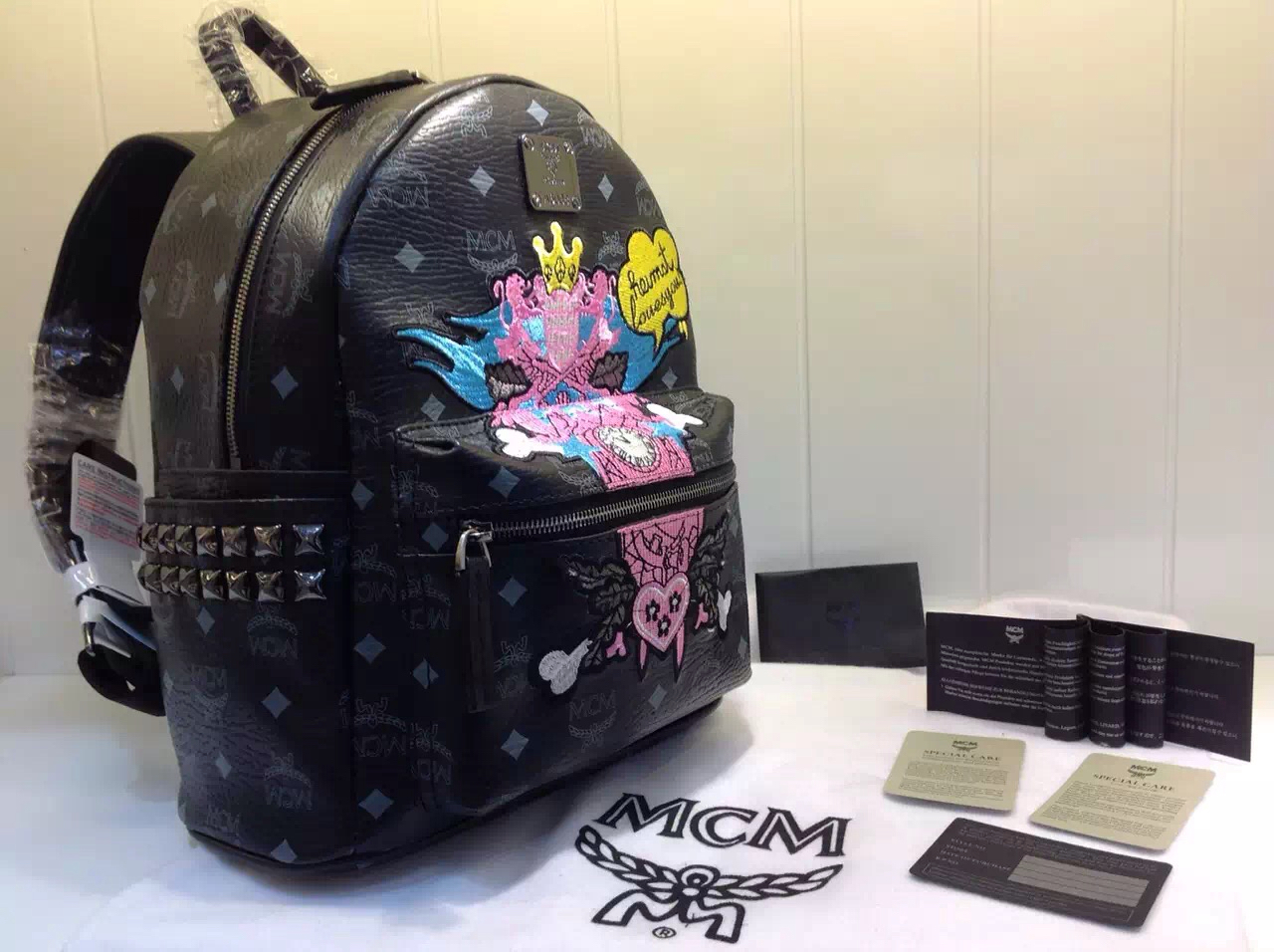 MCM 40years限量珍藏纪念版 Stefan Strumbel系列 精美刺绣个性涂鸦 黑色
