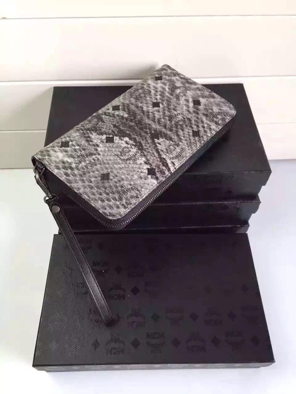 MCM原单 STARK铆钉钱夹 潮人必备 蛇纹灰