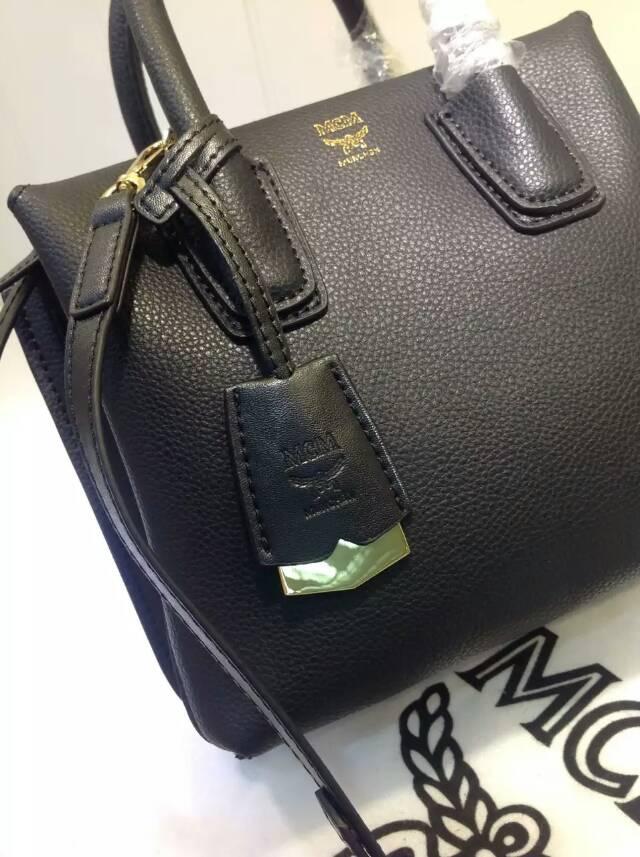 白云皮具城 MCM秋冬新款 崭新袋口开合设计 黑色