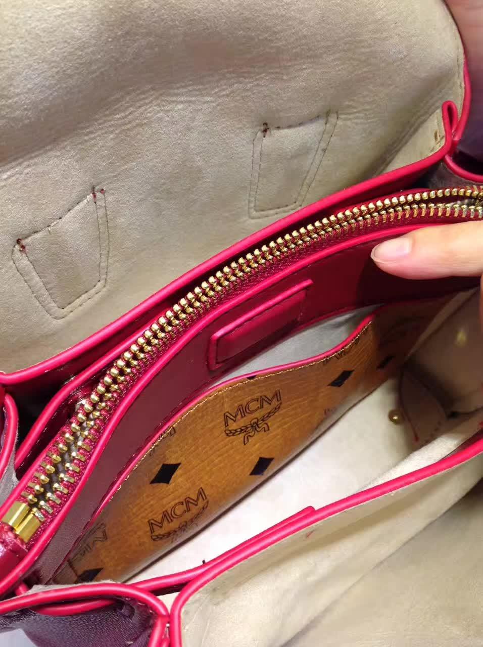 MCM韩国官网 Milla单肩包 原版特殊颗粒牛皮 崭新袋口开合设计 大红