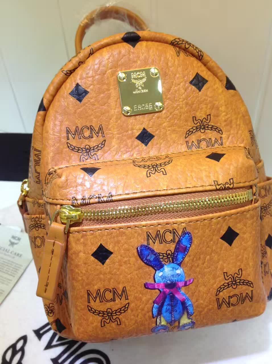 MCM韩国官网 超mini兔子背包 全新皮质纹理 内搭厚实耐用帆布 土黄