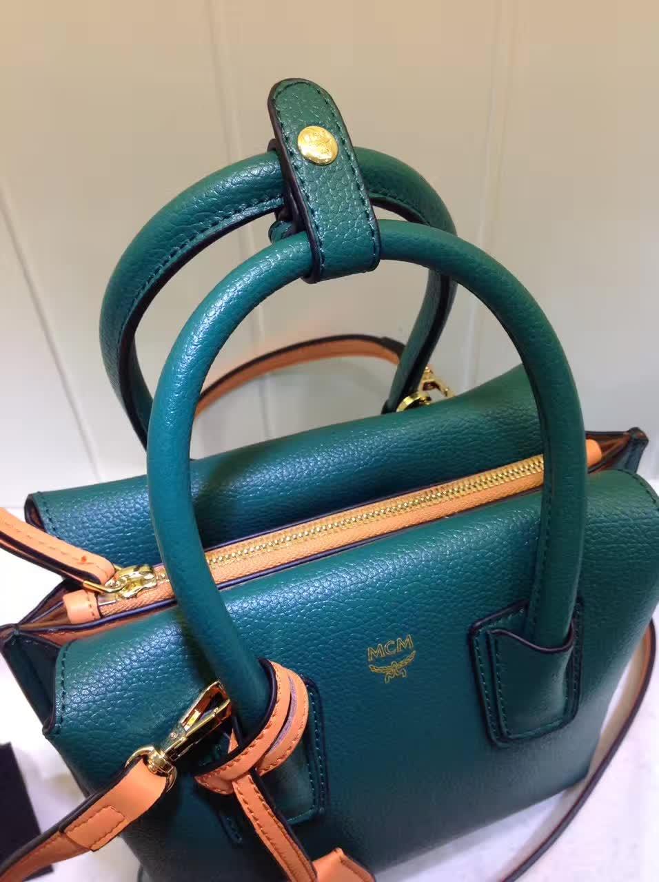 MCM韩国官网 Milla单肩包 原版特殊颗粒牛皮 崭新袋口开合设计 墨绿色