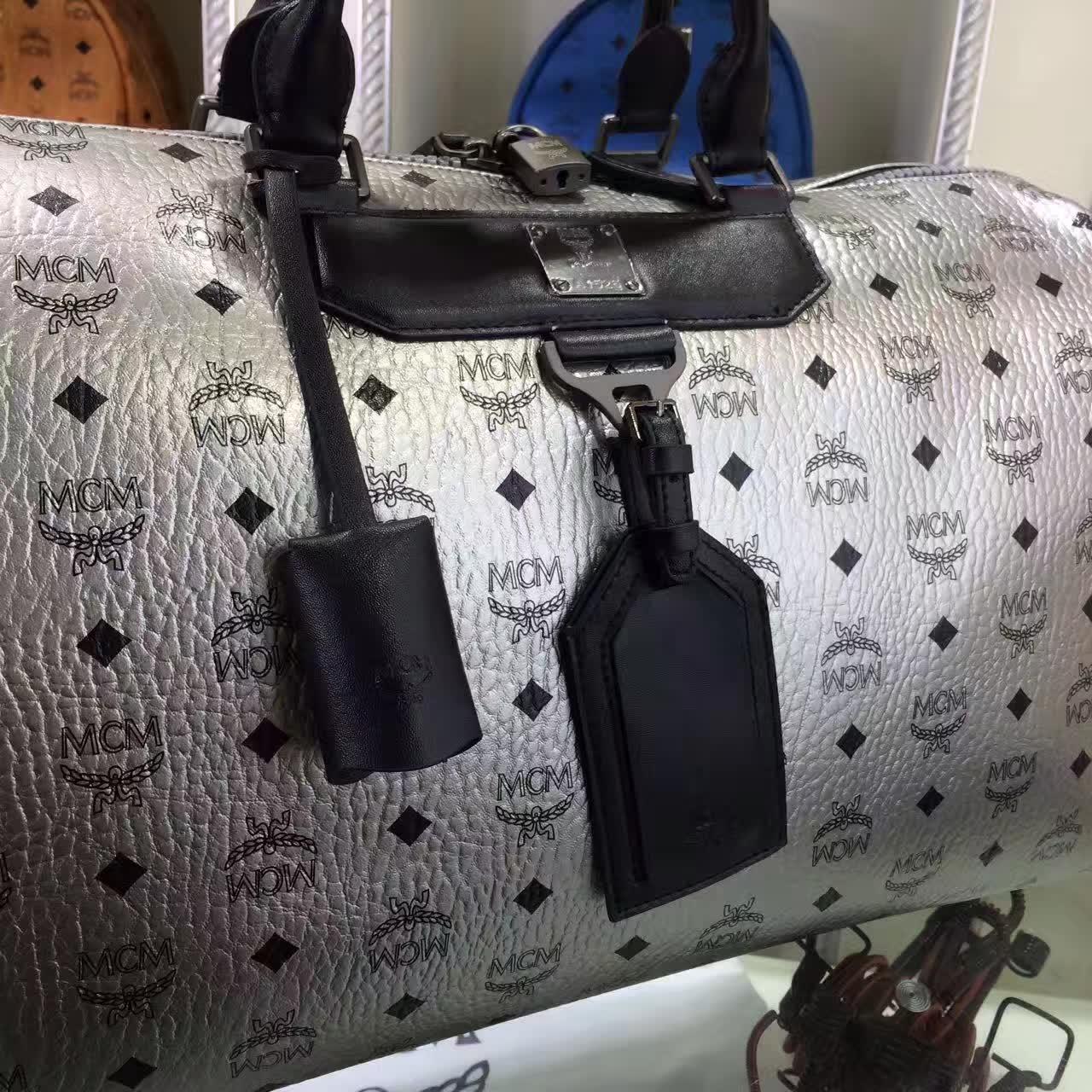 MCM男包 Nomad系列旅行袋 PVC配牛皮内里猪皮 铜牌独立编码 银色