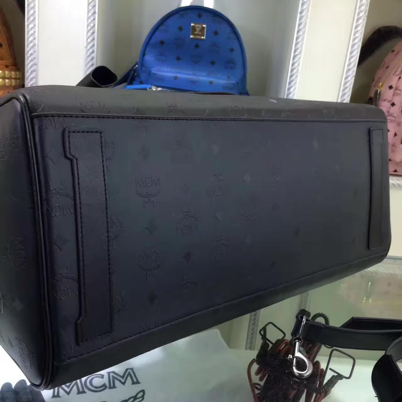 MCM男包 Nomad系列旅行袋 PVC配牛皮内里猪皮 铜牌独立编码 黑胶