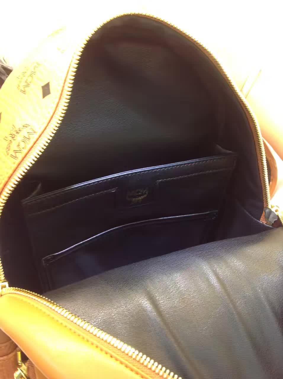 MCM专柜新款 重工个性闪电镭射设计子母包 柔软肩带全皮内里 土黄