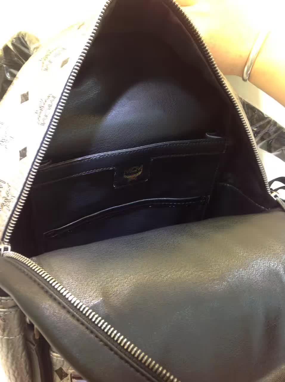 MCM专柜新款 重工个性闪电镭射设计子母包 柔软肩带全皮内里 银色