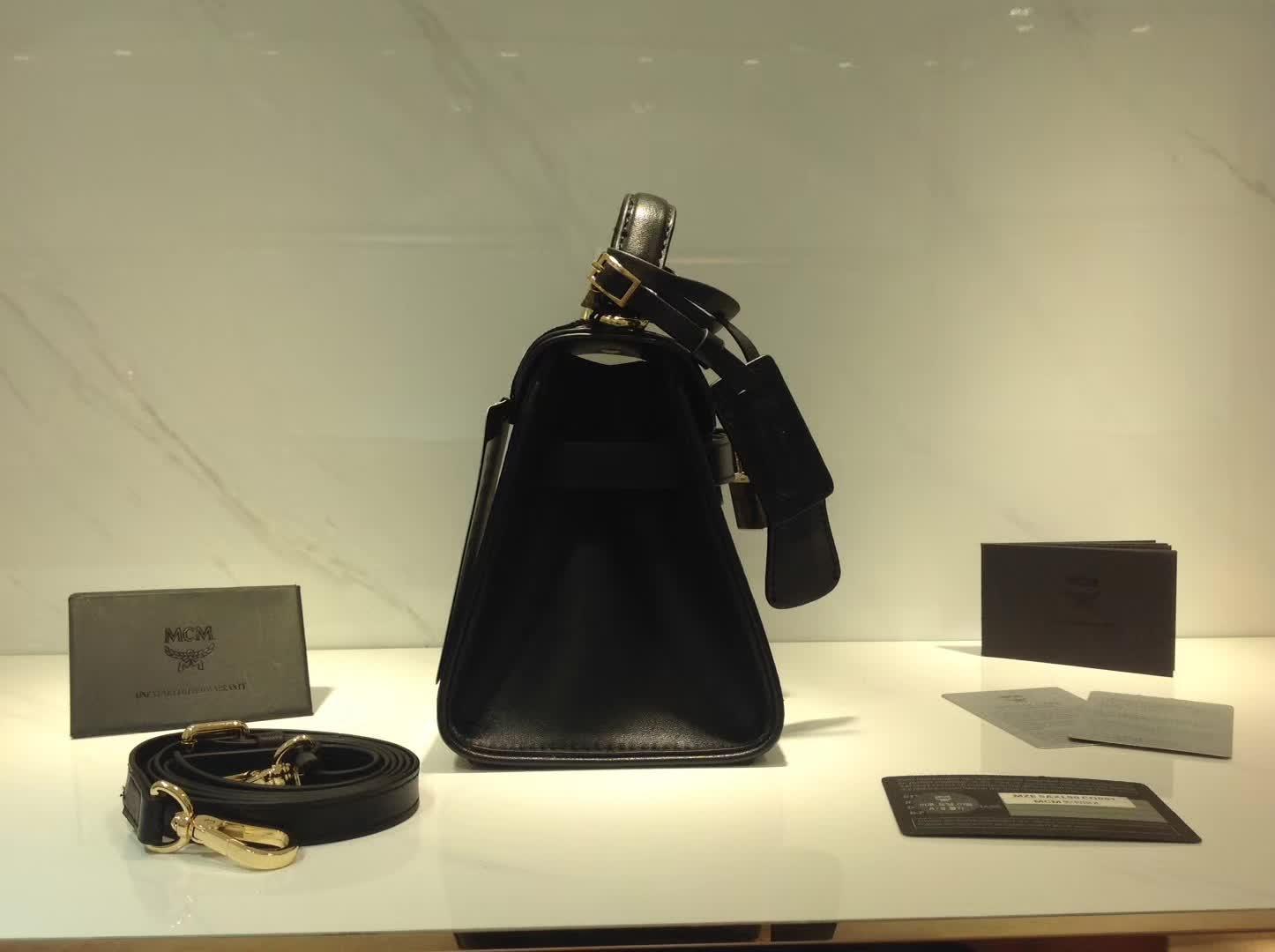 MCM17最新款 HERITAGE高档经典手工制作系列兔子mini kelly 铜牌经典款 黑色