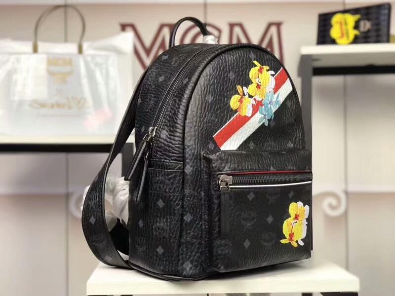 MCM专柜同步 Essentials系列双肩包3D丝印潮流元素 ykk拉链 背后附有铜牌独立编码 黑色