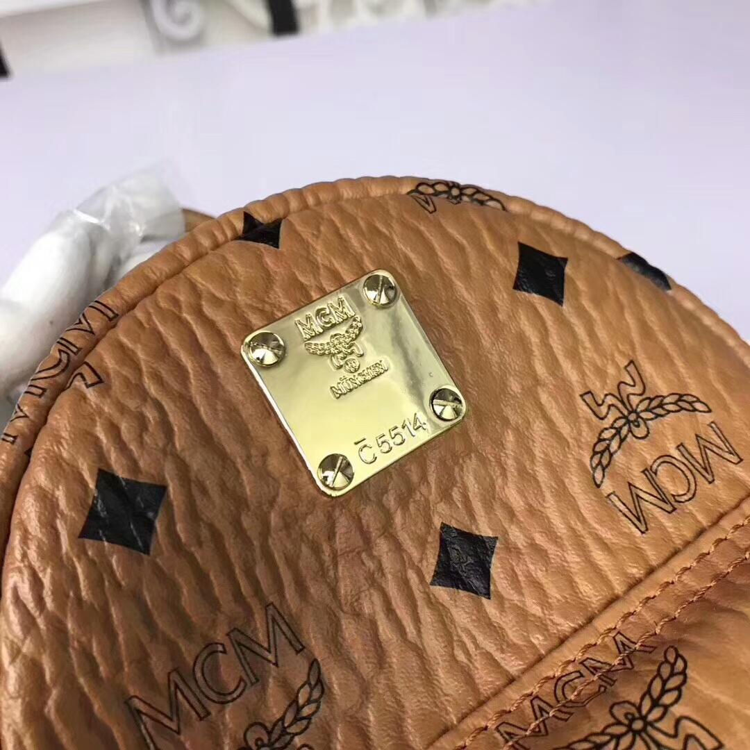MCM兔子背包超迷你号 全新皮质纹理 内搭厚实耐用粗纹帆布 可斜跨可双肩背 土黄