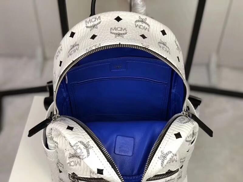 MCM专柜同步 Essentials系列双肩包3D丝印潮流元素 ykk拉链 背后附有铜牌独立编码 纯白