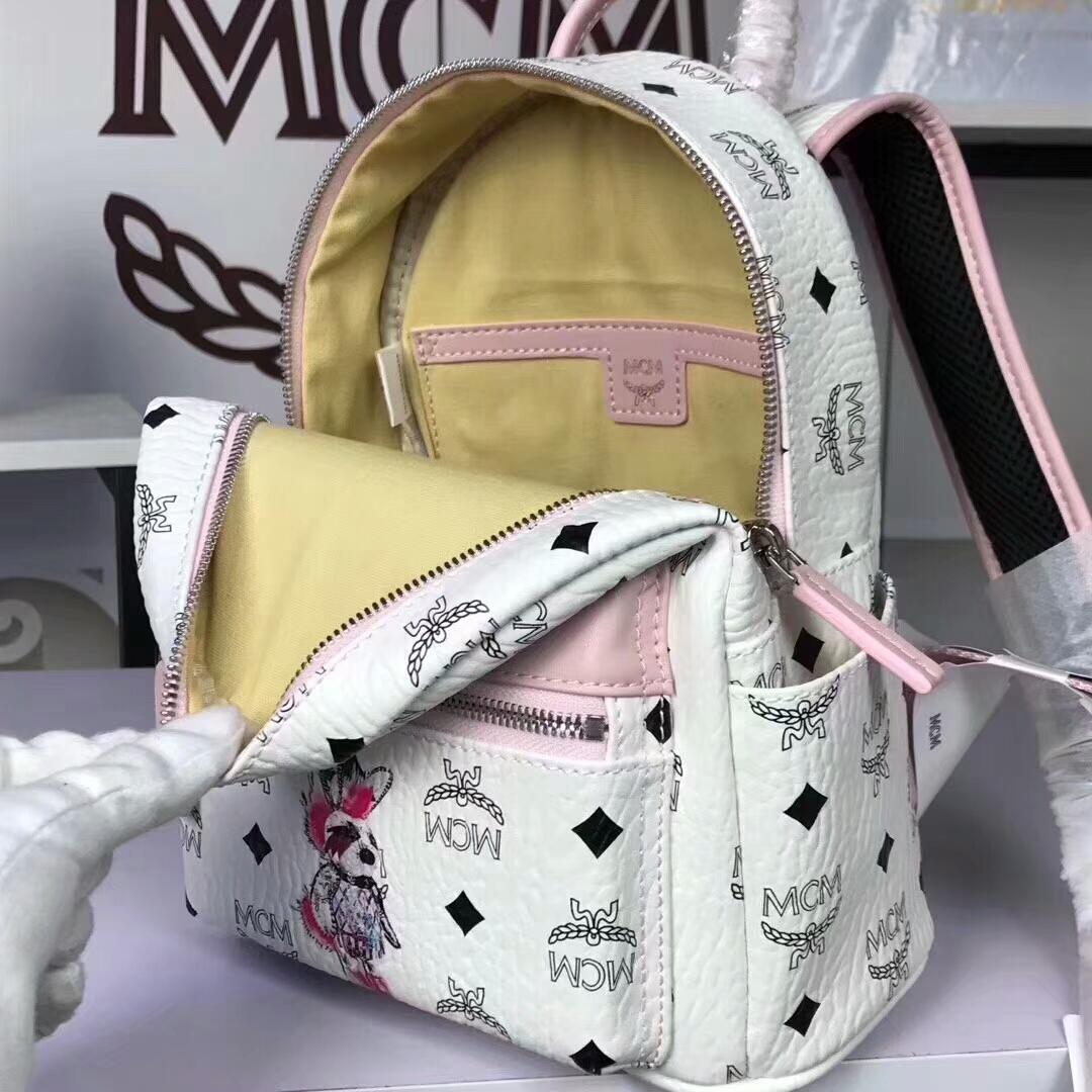 MCM兔子背包迷你号 全新皮质纹理 内搭厚实耐用粗纹帆布 白拼粉