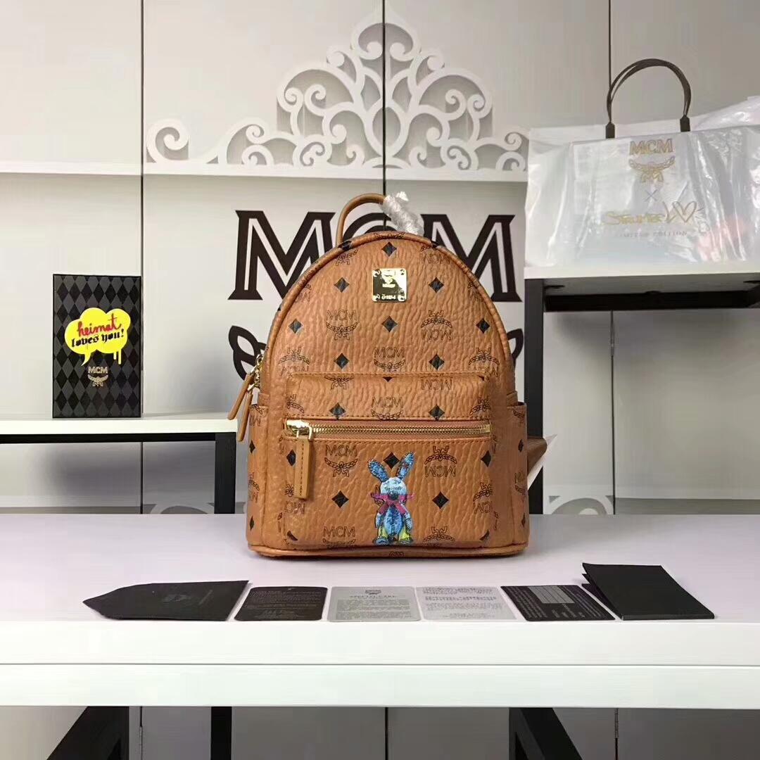 MCM兔子背包迷你号 全新皮质纹理 内搭厚实耐用粗纹帆布 土黄