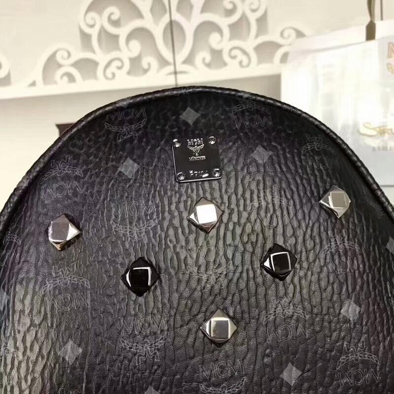 MCM经典款 六钉全新多面体五金 透气肩带全皮内里 黑色