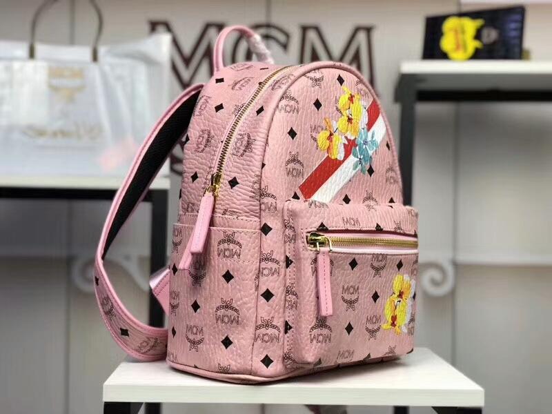 MCM专柜同步 Essentials系列双肩包3D丝印潮流元素 ykk拉链 背后附有铜牌独立编码 冰激凌粉