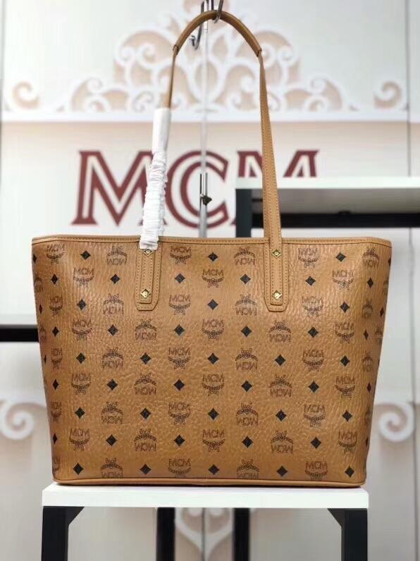 MCM2018新款 Mille幻想兔子母购物袋 颜色多彩的幻想兔图案 ykk拉链 铜牌独立编码 土黄