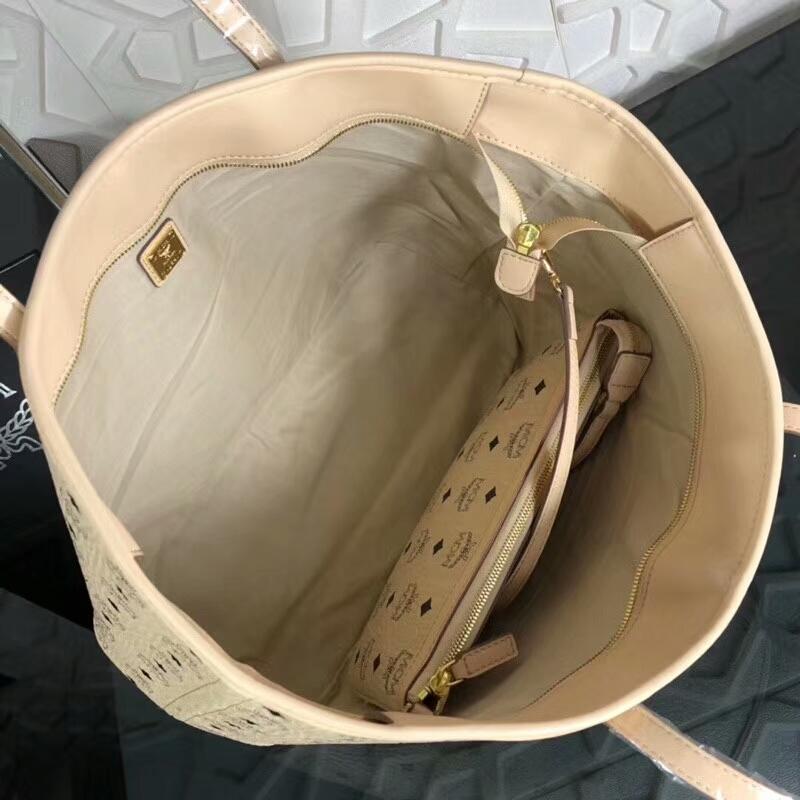 MCM包包批发 2018春夏新款印花LOGO彩虹兔子购物袋 手工钉珠 精致优雅 米白