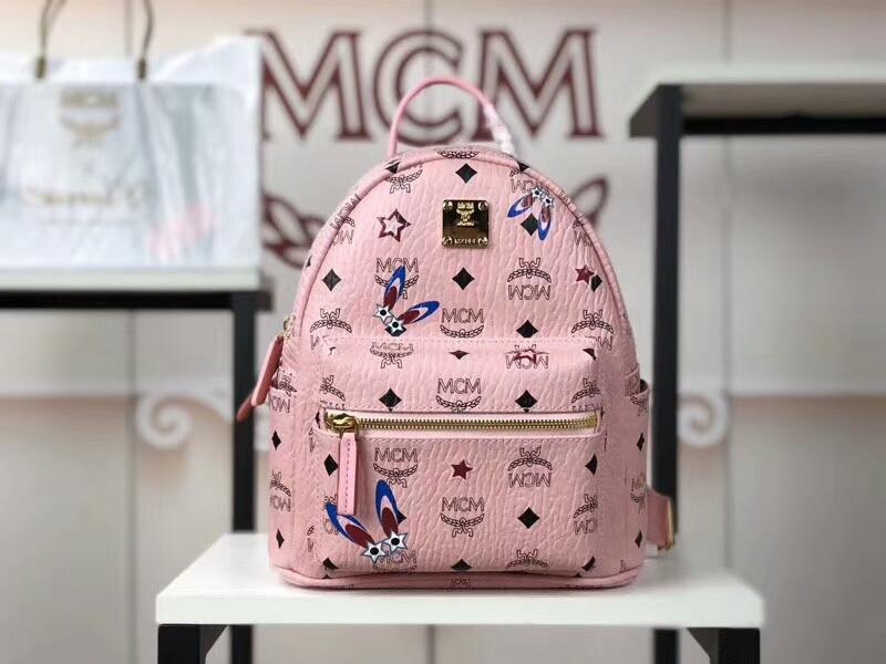 MCM新款 幻想兔双肩背包 时尚个性通体饰有色彩缤纷的幻想兔图案 冰激凌粉