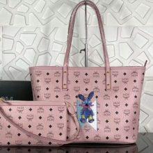 MCM包包批发 2018春夏新款印花LOGO彩虹兔子购物袋 手工钉珠 精致优雅 冰激凌粉