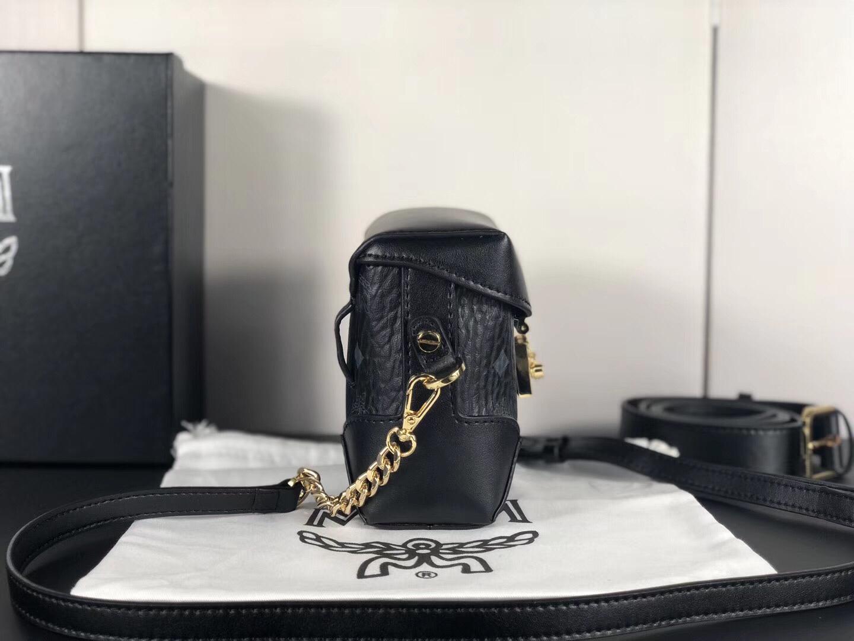 MCM官网 2018经典印花复古小方盒 定制专用皮配原版牛皮 可斜跨单肩 黑色