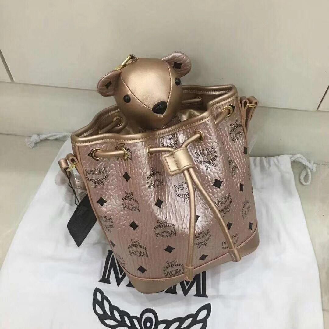MCM韩国官网 VISETOS新品小熊系列摆件抽绳包 香槟金