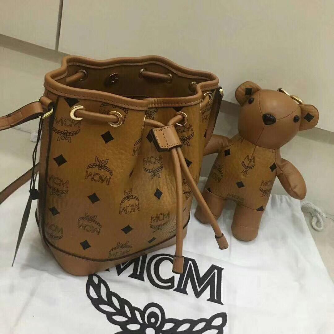 MCM韩国官网 VISETOS新品小熊系列摆件抽绳包 土黄