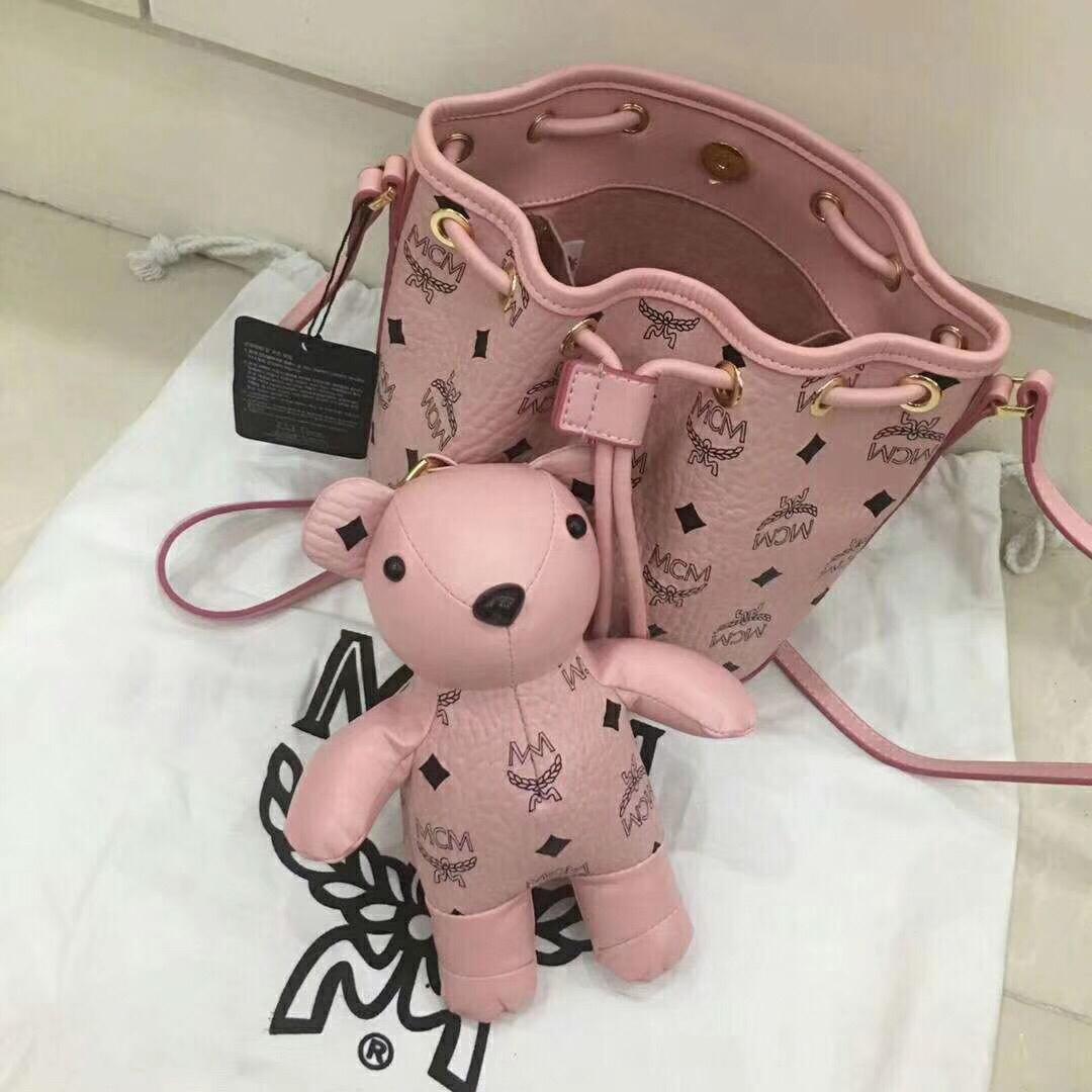 MCM韩国官网 VISETOS新品小熊系列摆件抽绳包 粉色