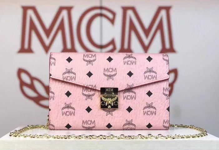 MCM Patricia系列 斜挎包单肩包折叠翻盖钱包 采用涂层帆布制成 风琴式隔层 冰激凌粉
